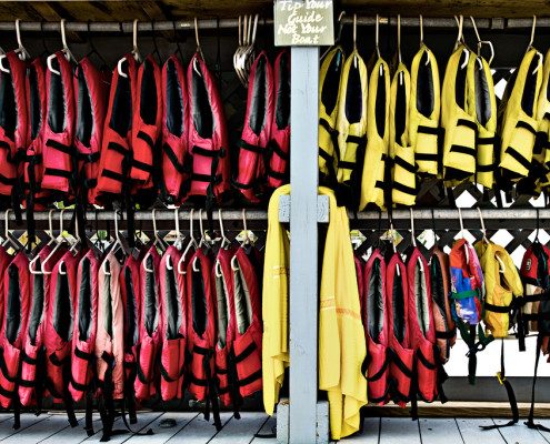 Tips for Safe Boating Wear Life Jacket